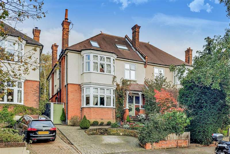 6 Bedrooms Semi Detached House for sale in Farnaby Road, Shortlands, Bromley, BR1