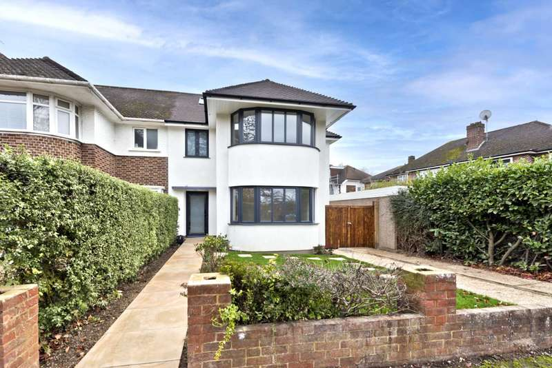 4 Bedrooms Semi Detached House for sale in Ennismore Gardens, Thames Ditton