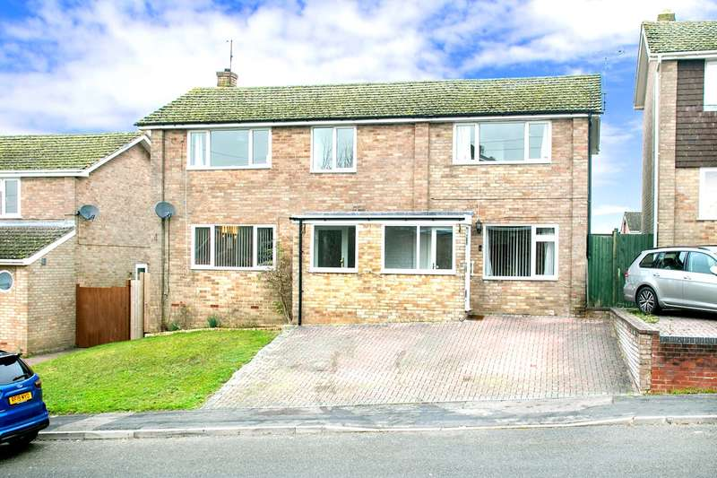 5 Bedrooms Detached House for sale in Kenilworth Road, Basingstoke, RG23