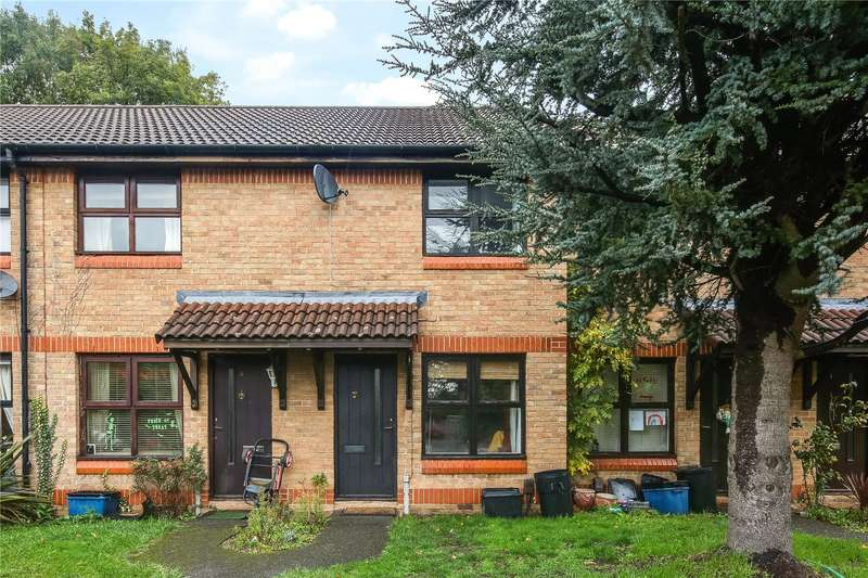 2 Bedrooms Terraced House for rent in Trafalgar Place, Hermon Hill, London, E11