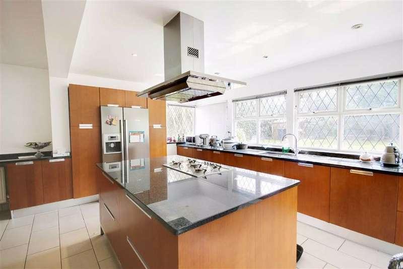5 Bedrooms Detached House for rent in Brookmans Avenue, Brookmans Park, Hertfordshire