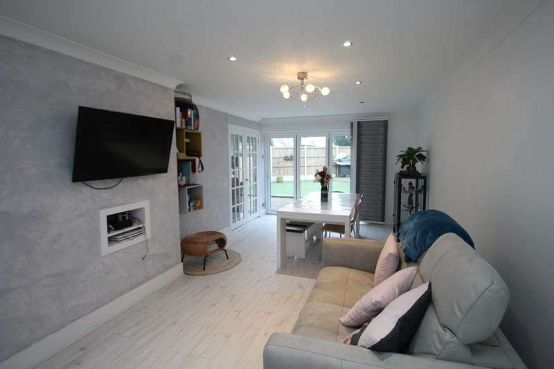 3 Bedrooms End Of Terrace House for rent in Ashbeam Close, Brentwood