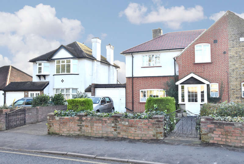 3 Bedrooms Semi Detached House for sale in Horseshoe Lane, Watford