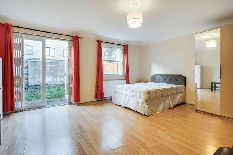 3 Bedrooms House for rent in Lockesfield Place, Canary Wharf, E14