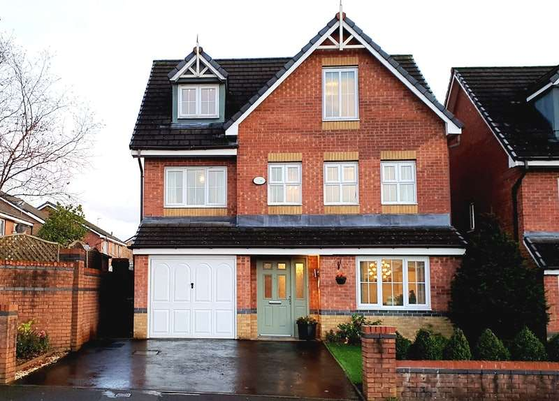 5 Bedrooms Detached House for sale in Hinchley Road, Manchester, Greater Manchester, M9