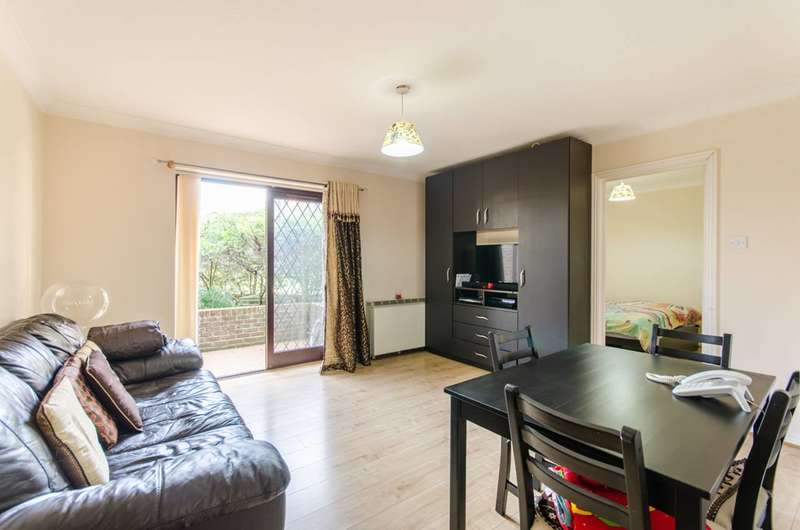 1 Bedroom Flat for rent in Robina Close, Northwood, HA6