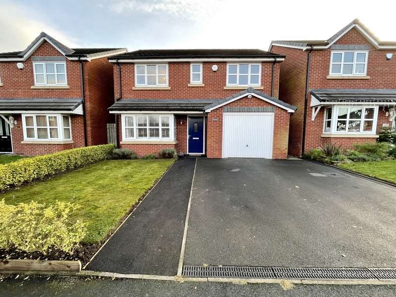 4 Bedrooms Detached House for sale in Brook Close, Hyde, Greater Manchester, SK14