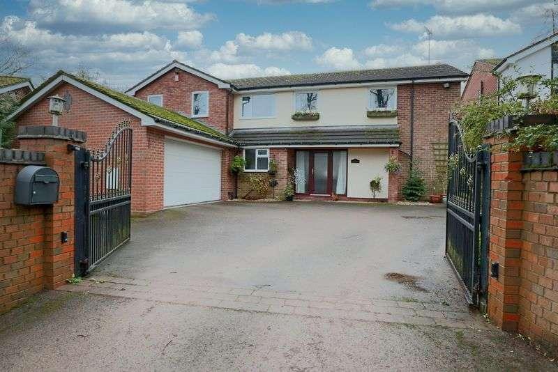 4 Bedrooms Property for sale in Aynsleys Drive, Blythe Bridge