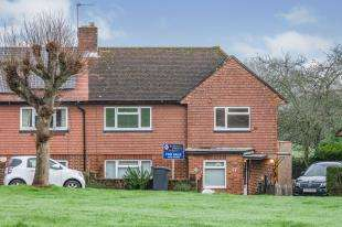 3 Bedrooms Semi Detached House for sale in Dunstans Croft, Mayfield, East Sussex, .