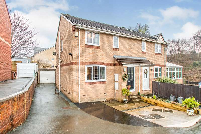 3 Bedrooms Semi Detached House for sale in Fern Lea View, Stanningley, Pudsey, West Yorkshire, LS28