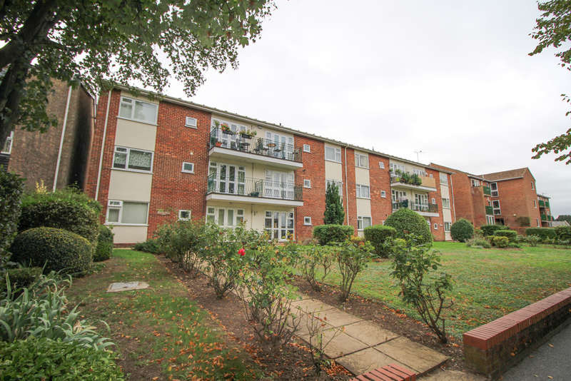 2 Bedrooms Ground Flat for rent in Belmont Court, Newmarket