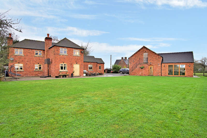 4 Bedrooms Detached House for sale in Hill Lane, Middleton Green