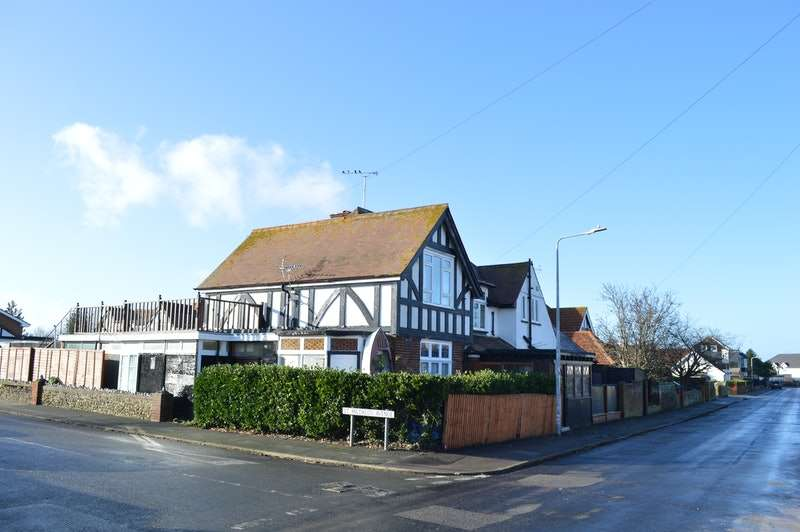 18 Bedrooms Detached House for sale in Sea View Road, Birchington, Kent, CT7