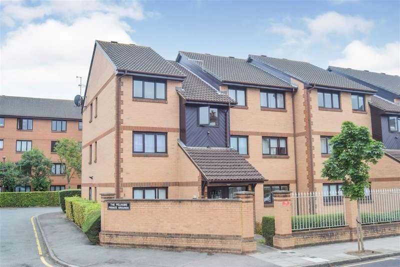 2 Bedrooms Flat for sale in Pelham Road, Wimbledon