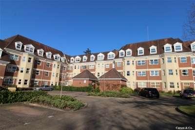 2 Bedrooms Flat for rent in Elmhurst Court, Camberley, GU15