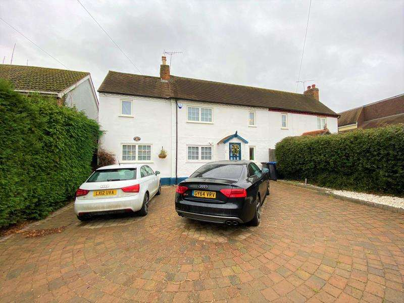 4 Bedrooms Semi Detached House for rent in Rowtown