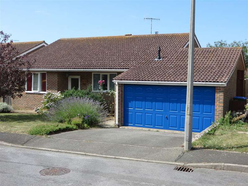3 Bedrooms Detached Bungalow for sale in Kingston Way, Seaford