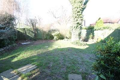 3 Bedrooms Detached House for rent in Meadow Rise, Coulsdon, CR5