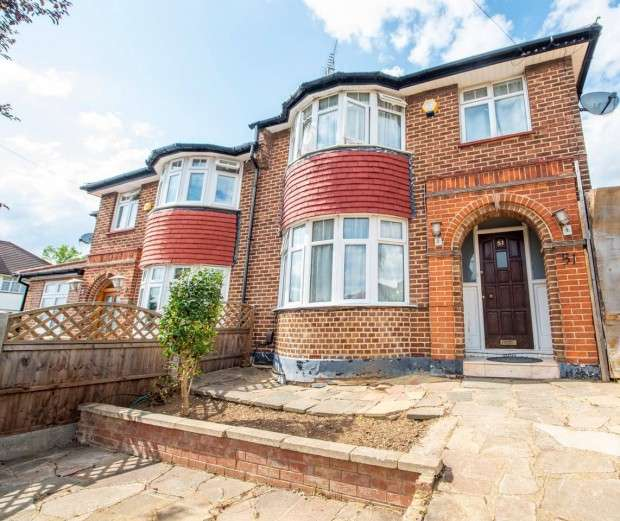 4 Bedrooms Semi Detached House for rent in Basing Hill, Wembley Park, HA9