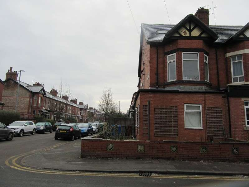 2 Bedrooms Flat for rent in 17 Beech Road, Chorlton, Manchester. M21 8BX