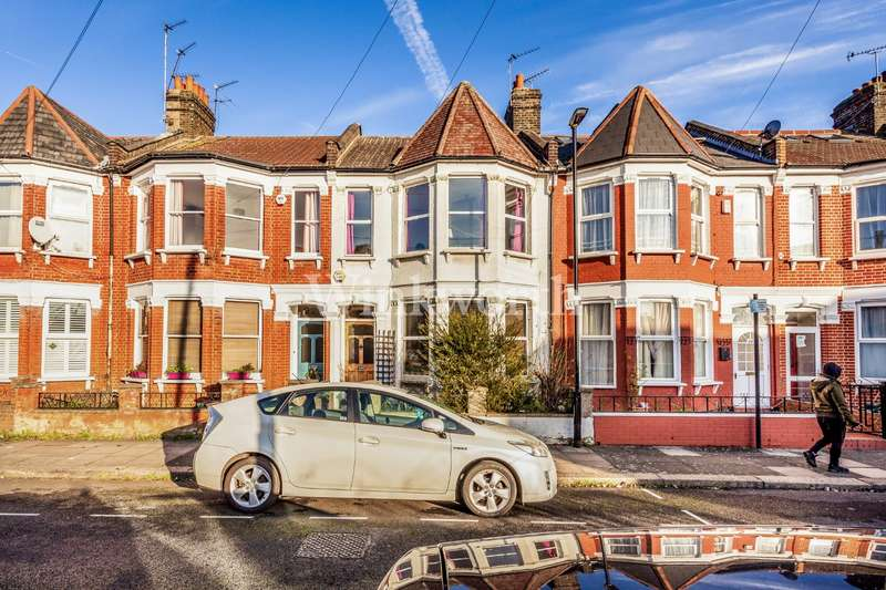 3 Bedrooms Terraced House for sale in Boundary Road, London, N22