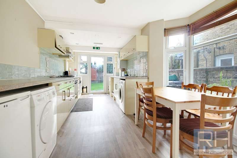 4 Bedrooms Terraced House for rent in Truro Road, Woodgreen, N22