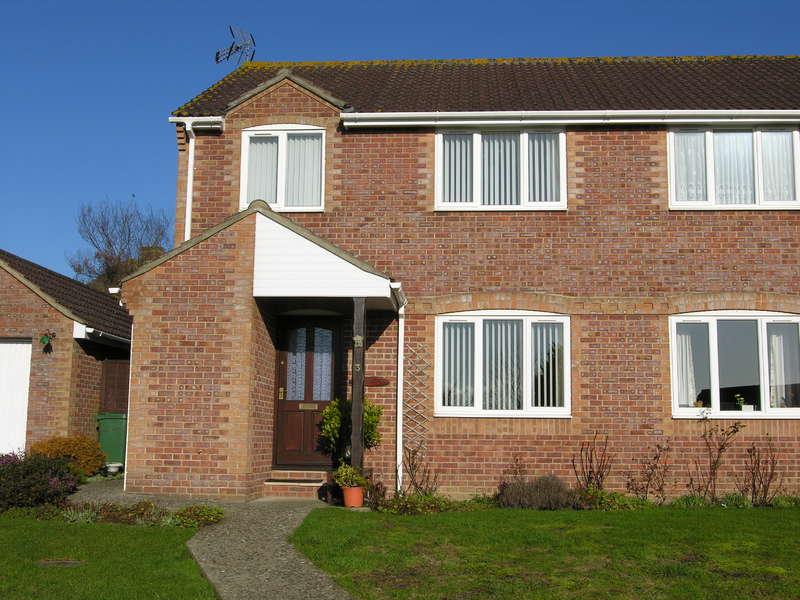 3 Bedrooms Semi Detached House for sale in Wincanton, Somerset, BA9