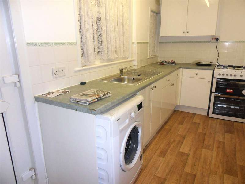 2 Bedrooms Terraced House for rent in Chipstead Valley Road, Coulsdon, CR5