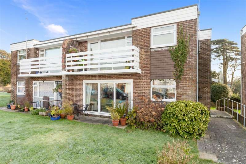 2 Bedrooms Flat for sale in St. Annes Gardens, Hassocks