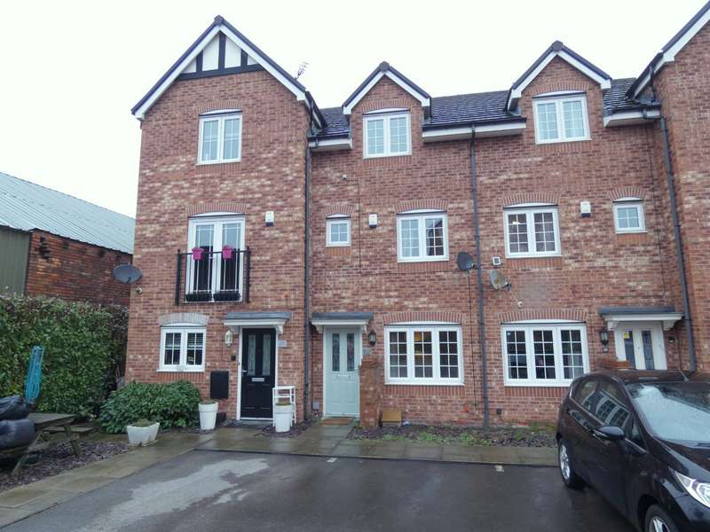 4 Bedrooms Town House for sale in Malthouse Court, Liversedge, WF15