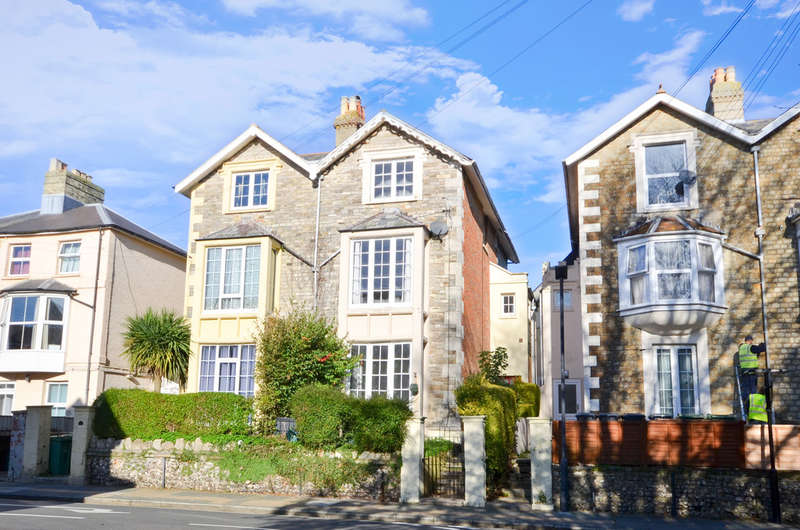 4 Bedrooms Semi Detached House for rent in Newport, Isle of Wight