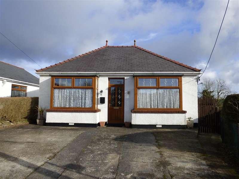 2 Bedrooms Bungalow for sale in Heol Hen, Five Roads