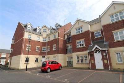 3 Bedrooms Flat for rent in Louise House, Royal Courts, Sunderland