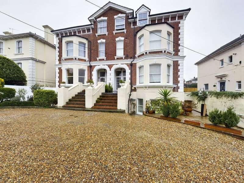 1 Bedroom Flat for rent in Woodbury Park Road, Tunbridge Wells, Kent