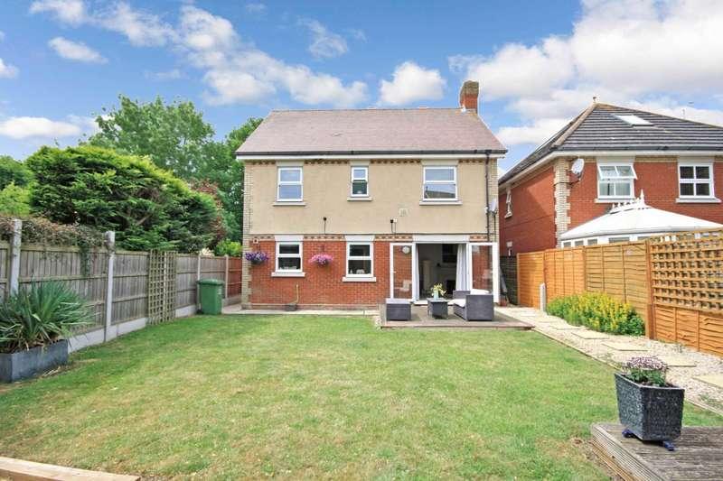 4 Bedrooms Detached House for sale in Handleys Chase, Noak Bridge
