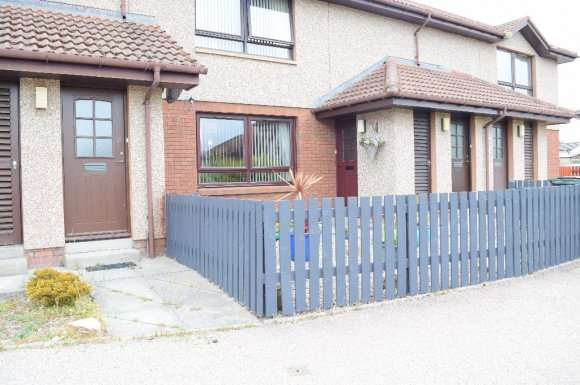 2 Bedrooms Flat for rent in Ashgrove Court, Elgin, Moray, IV30