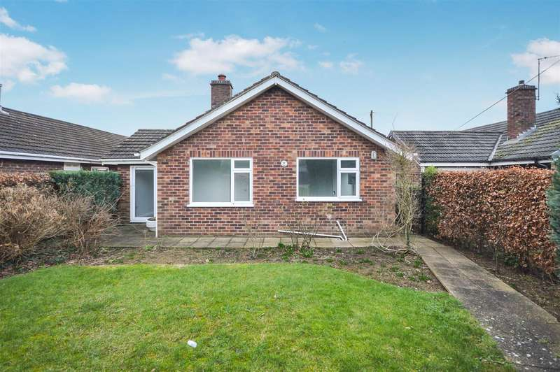 3 Bedrooms Bungalow for sale in Home Close, Bracebridge Heath, Lincoln