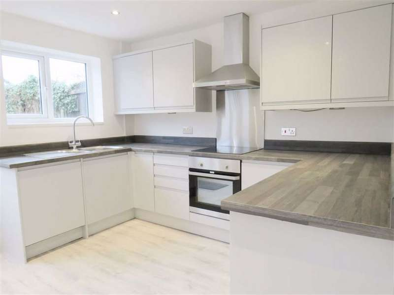 3 Bedrooms Semi Detached House for rent in Turnberry Drive, WILMSLOW