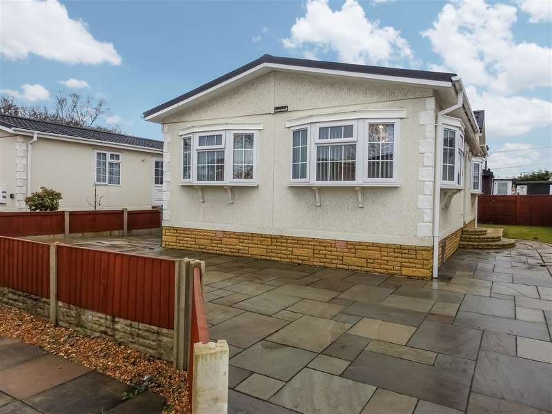2 Bedrooms Park Home Mobile Home for sale in Beechtree Close, Cuerden Residential Park, Clayton-Le-Woods, Leyland