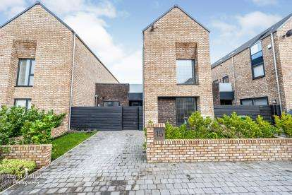 3 Bedrooms Terraced House for sale in Marchmont Drive, Crosby, Liverpool, Merseyside, L23
