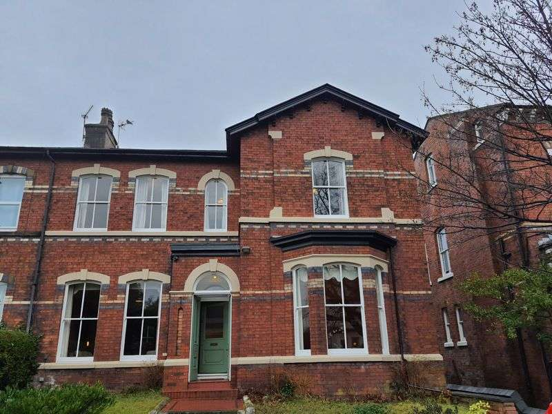 5 Bedrooms Property for sale in Part Street, Southport