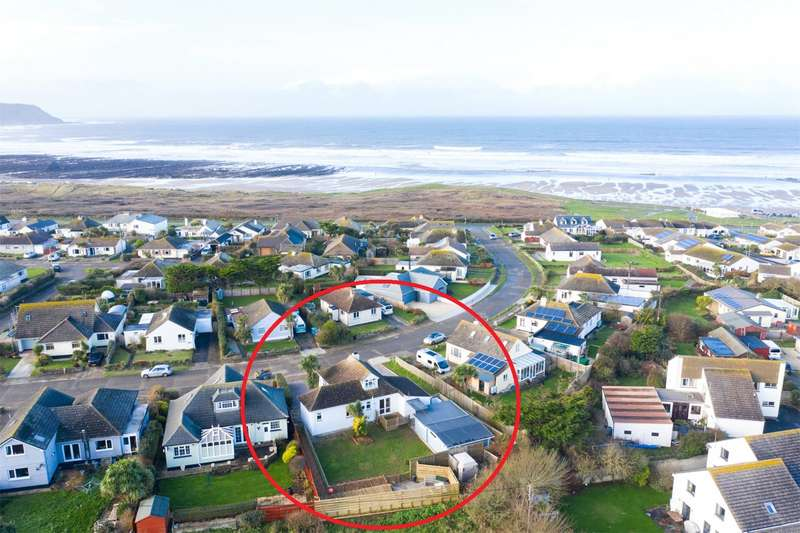 3 Bedrooms Detached Bungalow for sale in The Crescent, Widemouth Bay, Bude, EX23