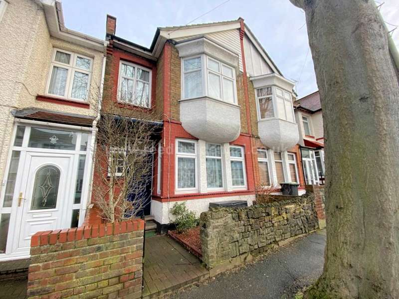 4 Bedrooms Terraced House for sale in Inverness Road, Westcliff On Sea