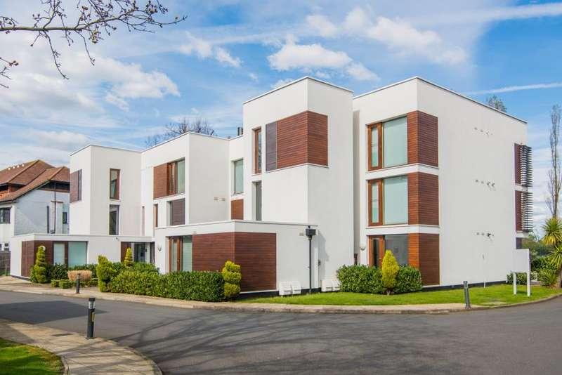 3 Bedrooms Apartment Flat for sale in Rivermead Close, Teddington, TW11