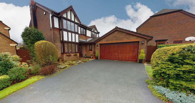 4 Bedrooms Detached House for sale in Waterslea Drive, Heaton, Bolton, BL1 5FJ