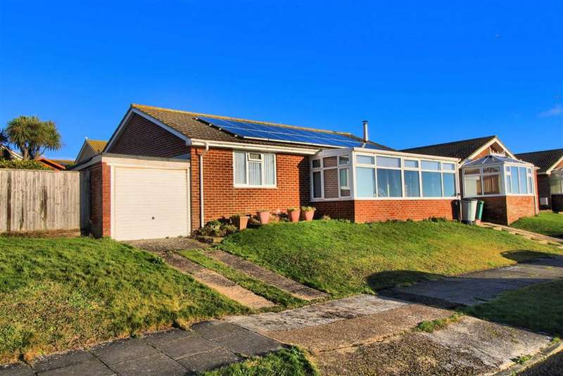 3 Bedrooms Detached Bungalow for sale in St Andrews Drive, Bishopstone, East Sussex
