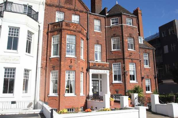 1 Bedroom Flat for sale in 16-17 Royal Terrace, Southend-on-Sea