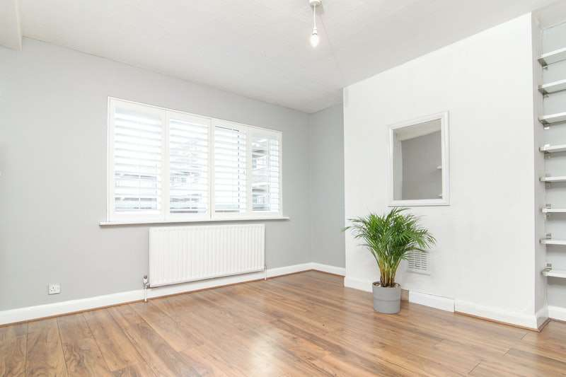2 Bedrooms Flat for sale in Anerley Park, London, London, SE20