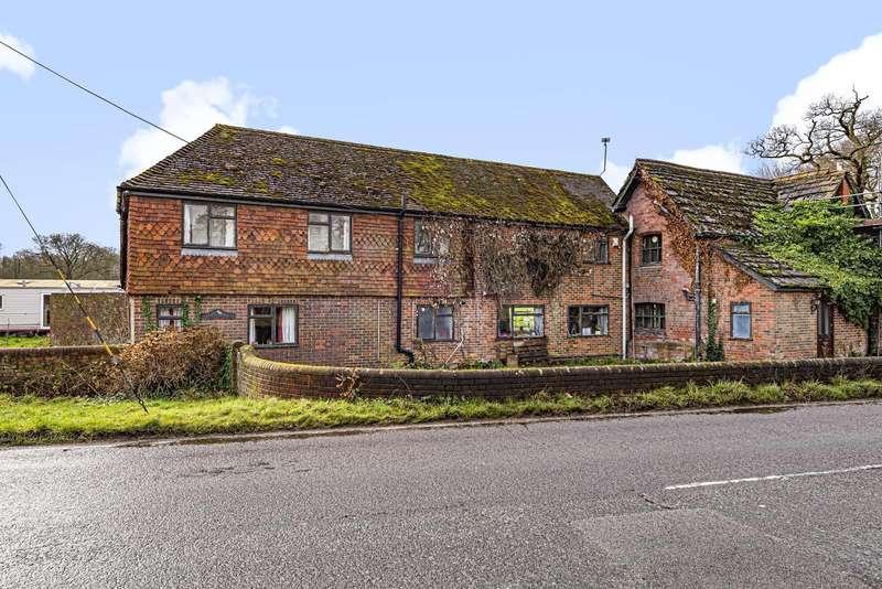 5 Bedrooms Detached House for sale in Horsham Road, Cranleigh, GU6