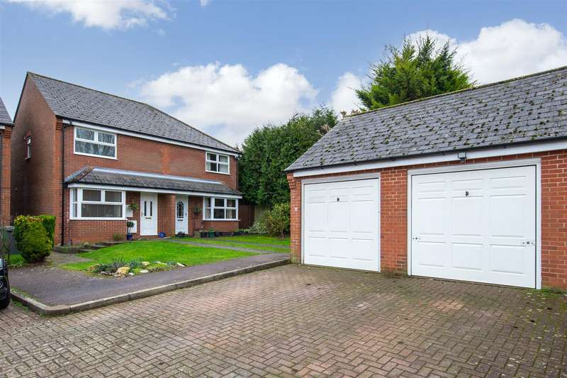 3 Bedrooms Semi Detached House for sale in Catchacre, Dunstable